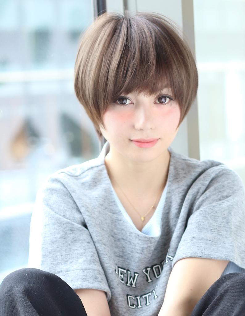 篠田麻里子さんが円形脱毛症になった原因とは?治療方法も紹介