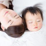 母乳育児とミルク育児、産後の抜け毛にいいのはどっち?【授乳と薄毛の関係性】