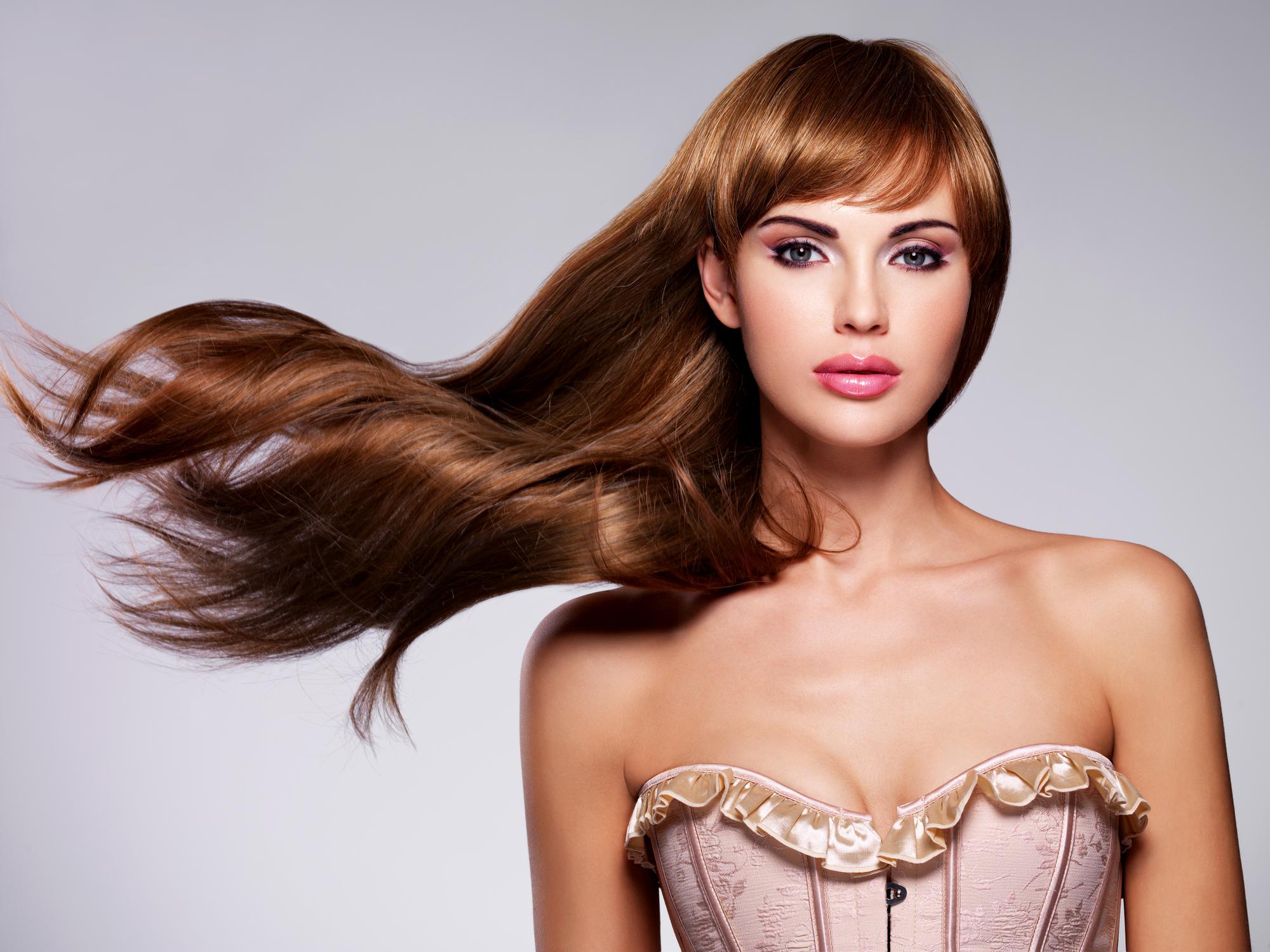 髪の綺麗な外国人女性