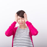 産後の抜け毛が2年以上治まらない原因は?対策法も紹介します