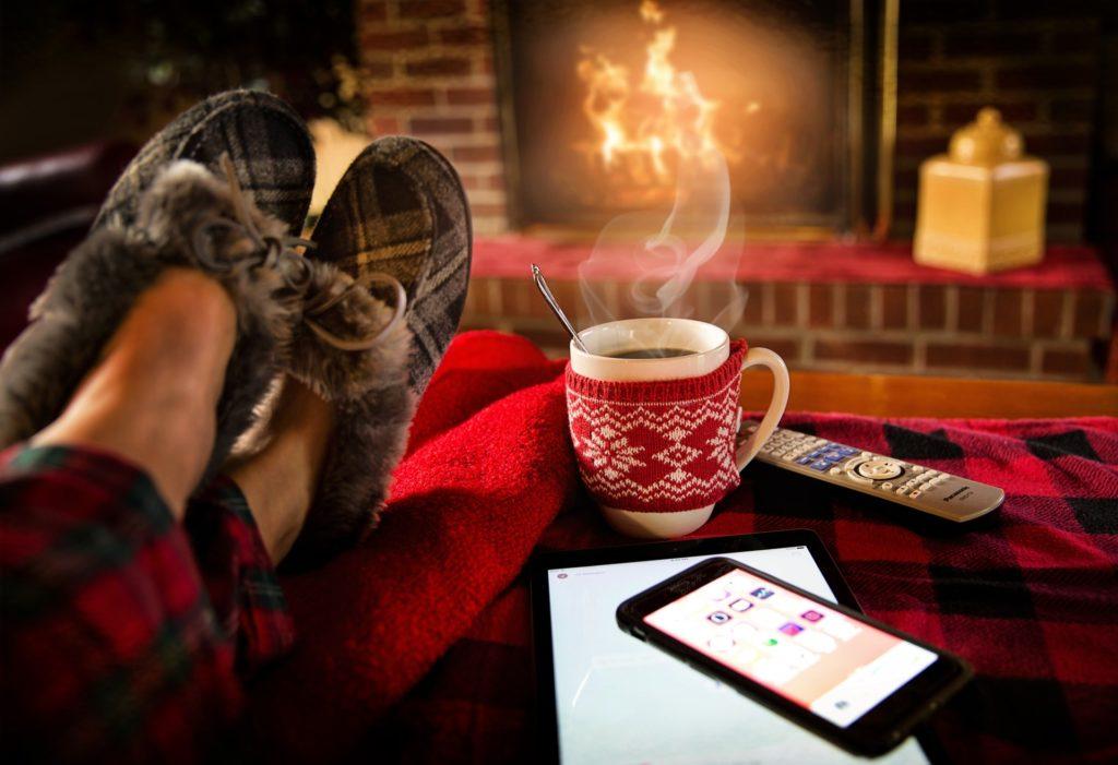 暖炉とコーヒ